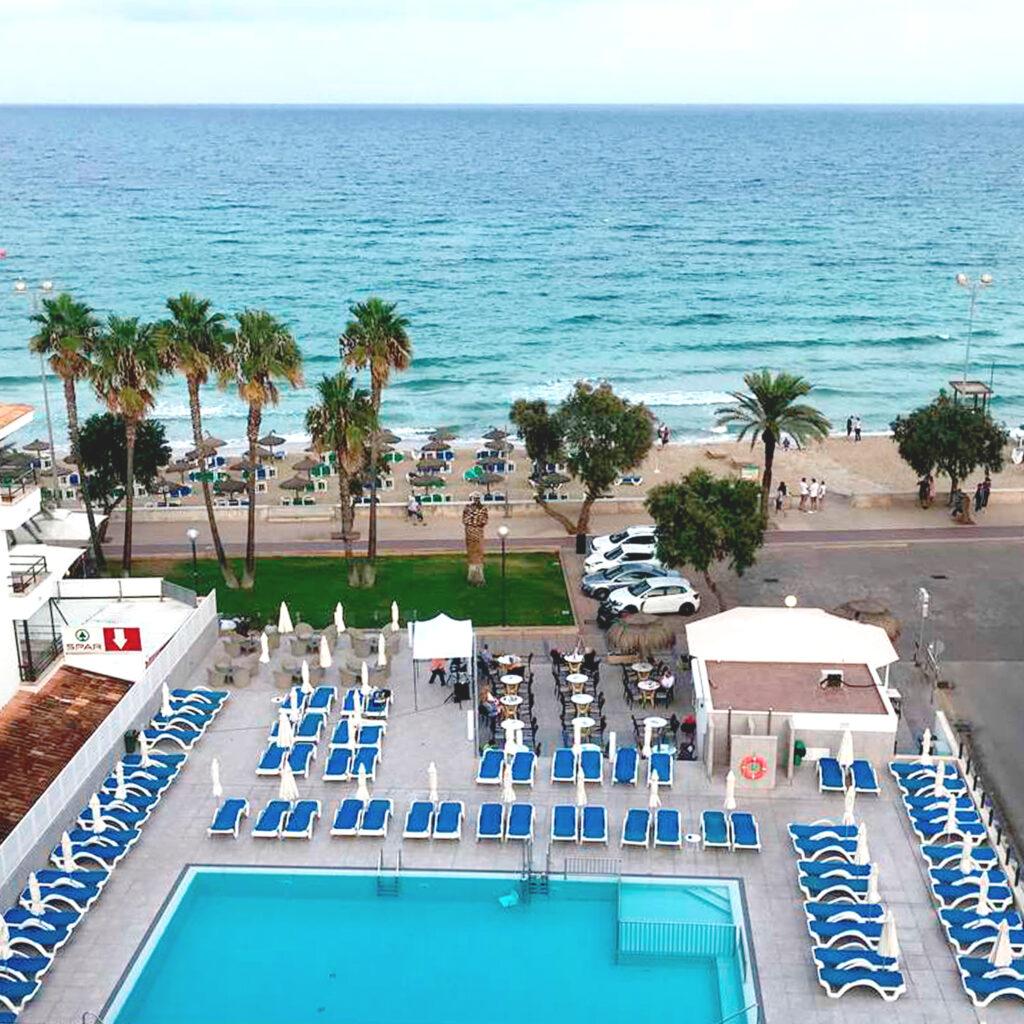 R2 HOTELS VERONICA BEACH HOTEL