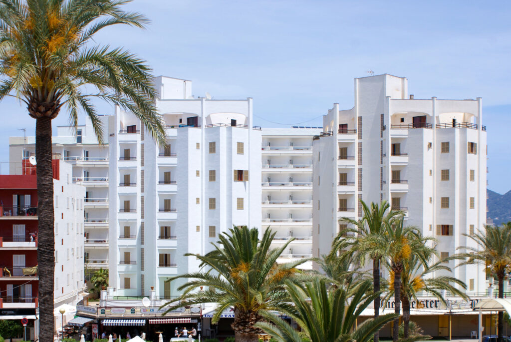 R2 HOTELS CALA MILLOR BEACH APARTMENT